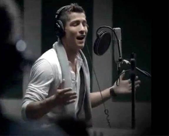 Cristiano Ronaldo: Your moms want to bang him.